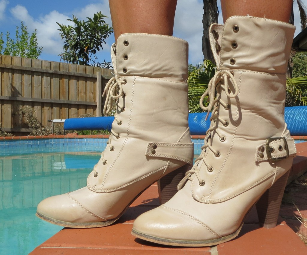 Beige lace-up boots 2