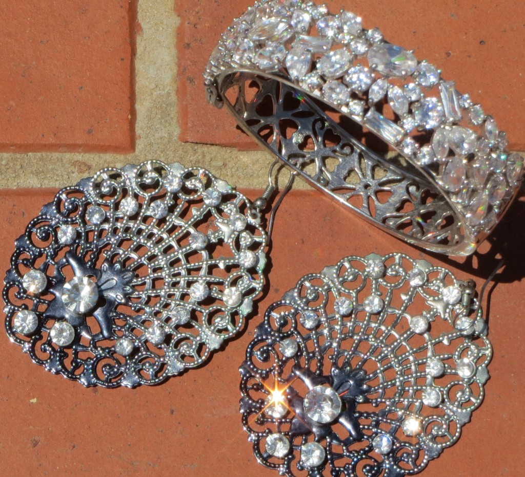 Diamond cuff & earrings