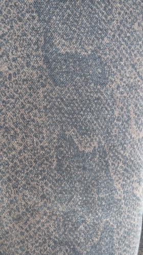 Black snake jeans, material close-up 6