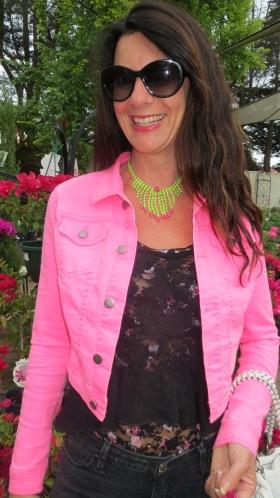 Black snake jeans, neon pink jkt close 3