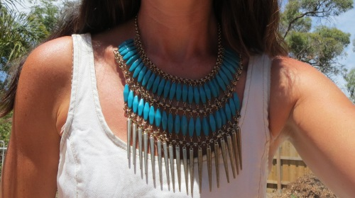 Diva green & gold neckpiece 2