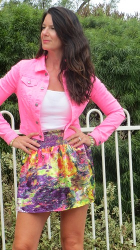 Neon pink jkt, color silk skirt 1, close