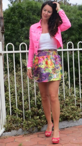Neon pink jkt, color silk skirt, pink heels 3