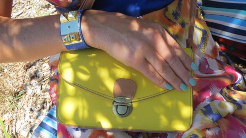 Yellow handbag, blue Diva cuff