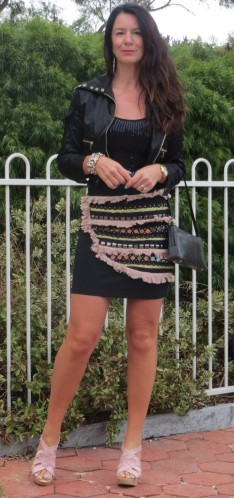 Black embellished skirt, handbag 6