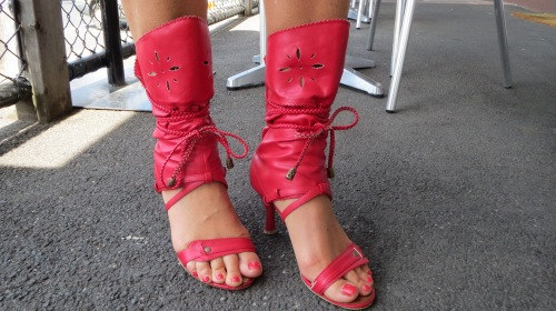 Red shoe-boots 2