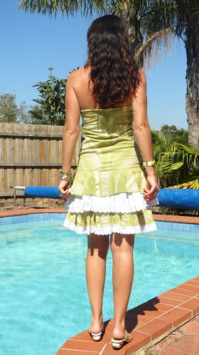 Ruffle white & green dress 3
