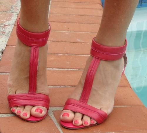 Berry pink Nine West t-bar heels 2