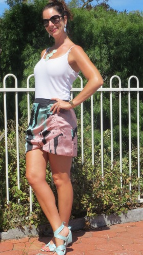 Bluejuice pink&green satin skirt 1