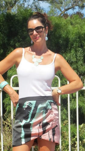 Bluejuice pink&green satin skirt 2