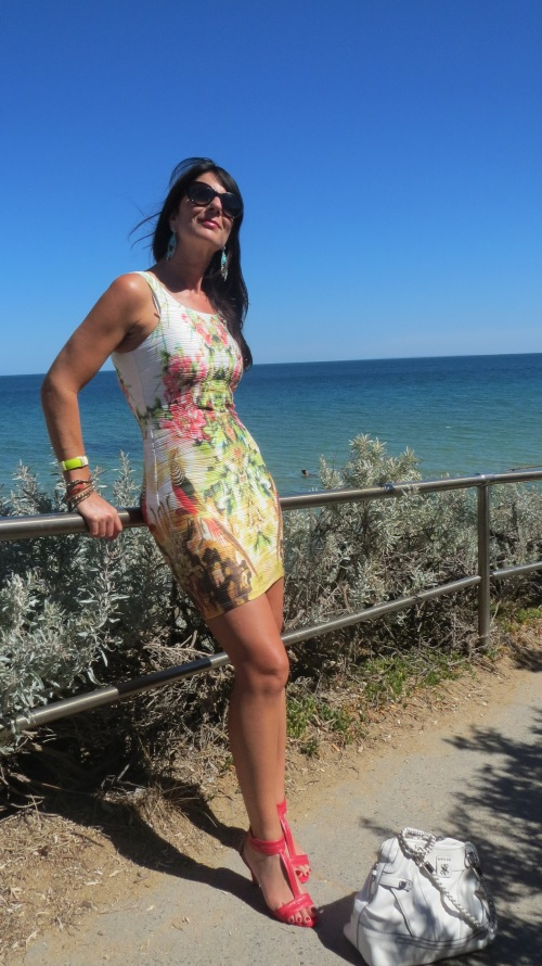 Graphic print dress beach 1