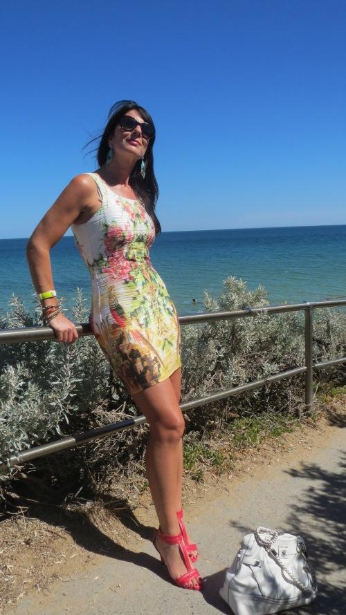 Graphic print dress beach 1