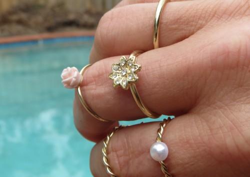 Thin gold rings