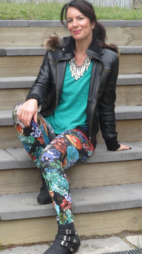 Floral leggings, silver neckpiece 3