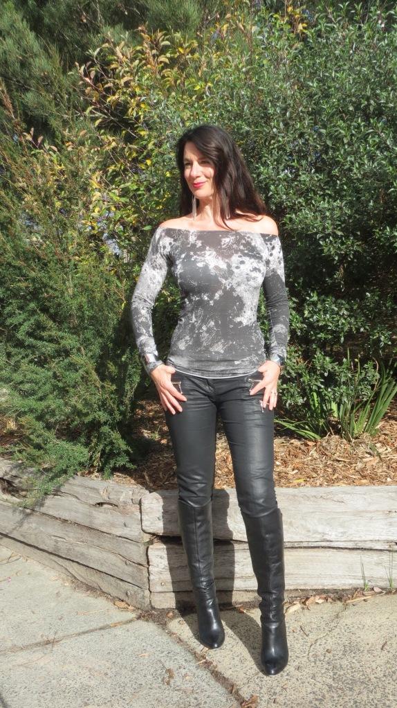 Leather jkt, jeans 3
