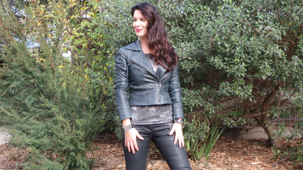 Leather jkt, jeans 4