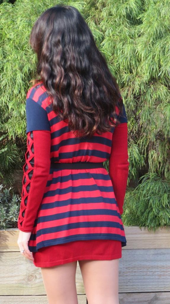 Red dress, cowboy boots 5