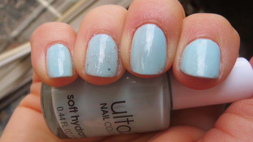 Eggshell blue nails