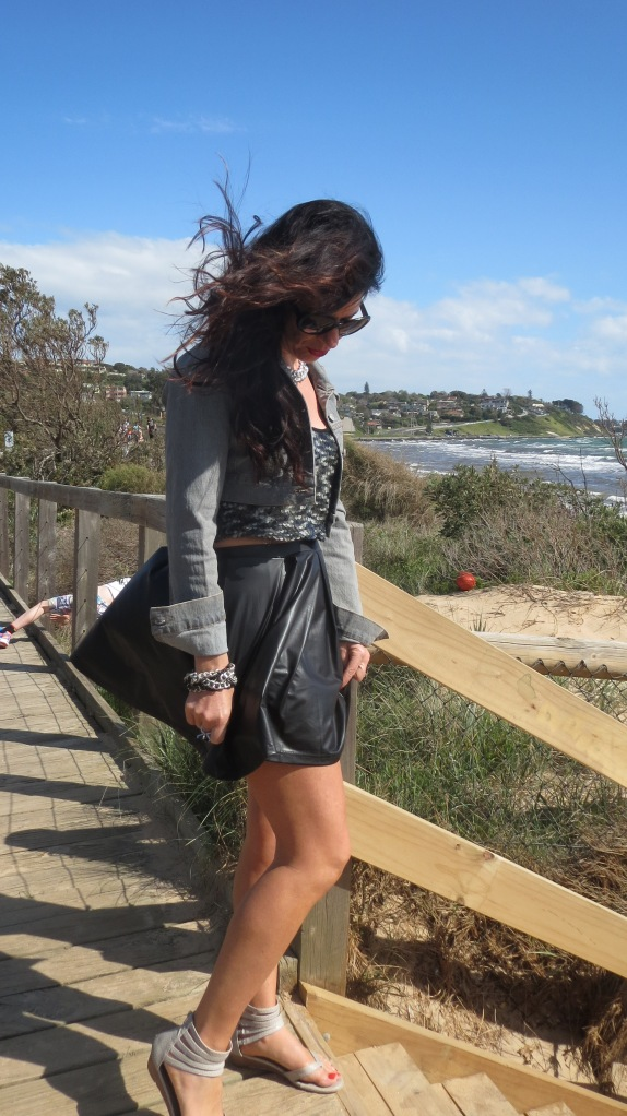 Black flip skirt, sequins 2