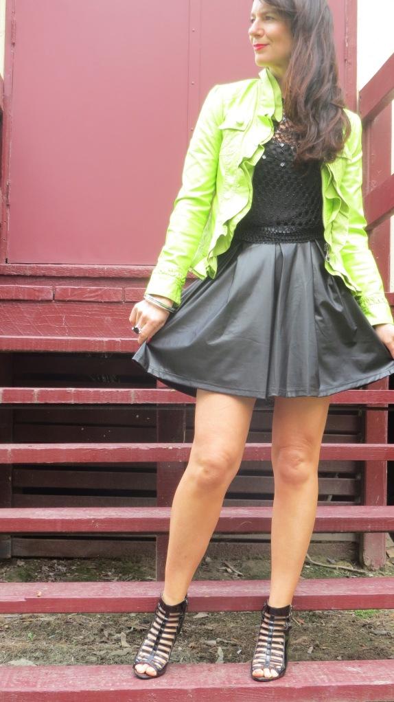Green neon jkt 2