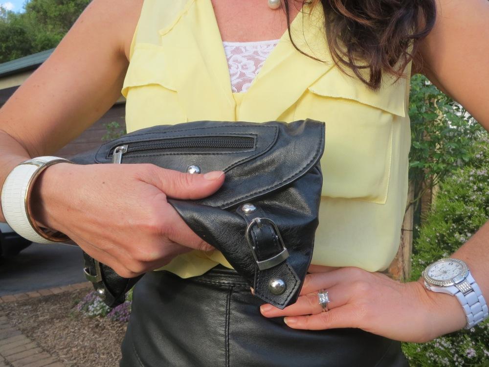 Black crush clutch
