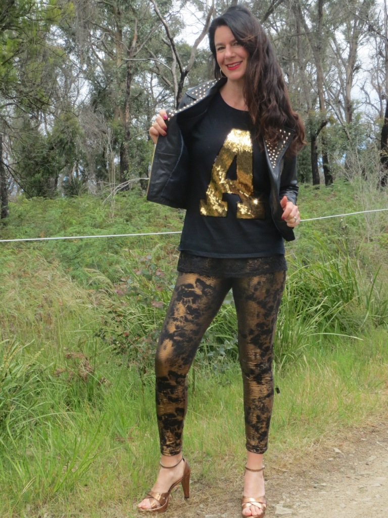 Bronze leggings, gold tops 3