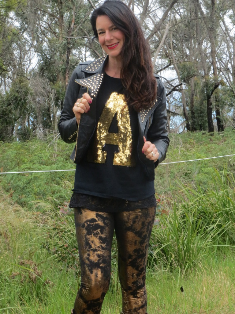 Bronze leggings, gold tops 5