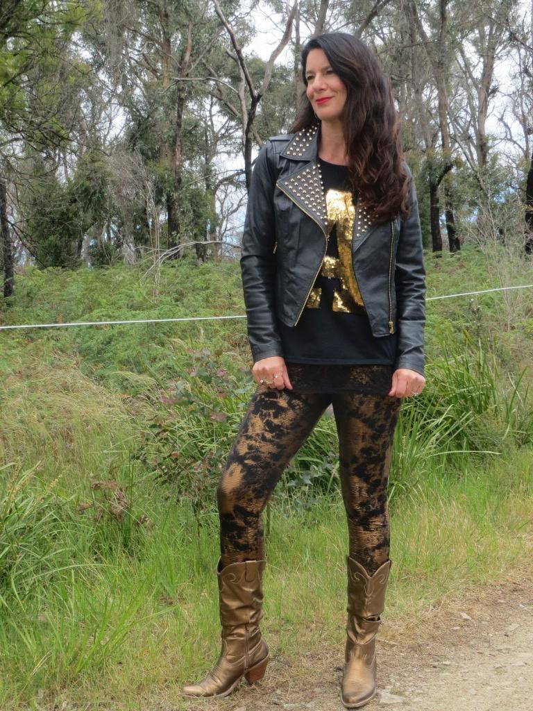 Bronze leggings, gold tops 6