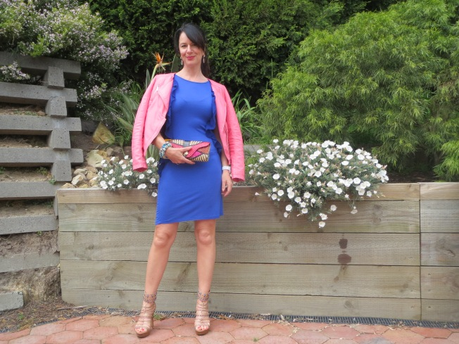 Pink jkt, blue dress 3