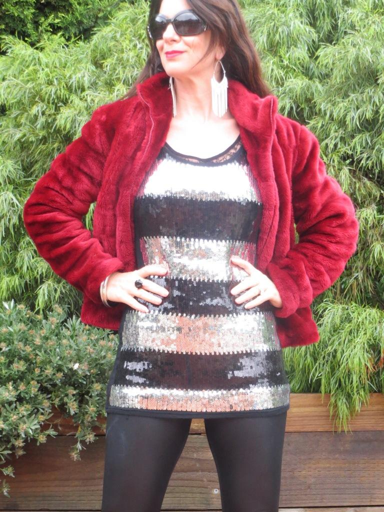 Red fur, sequins 4