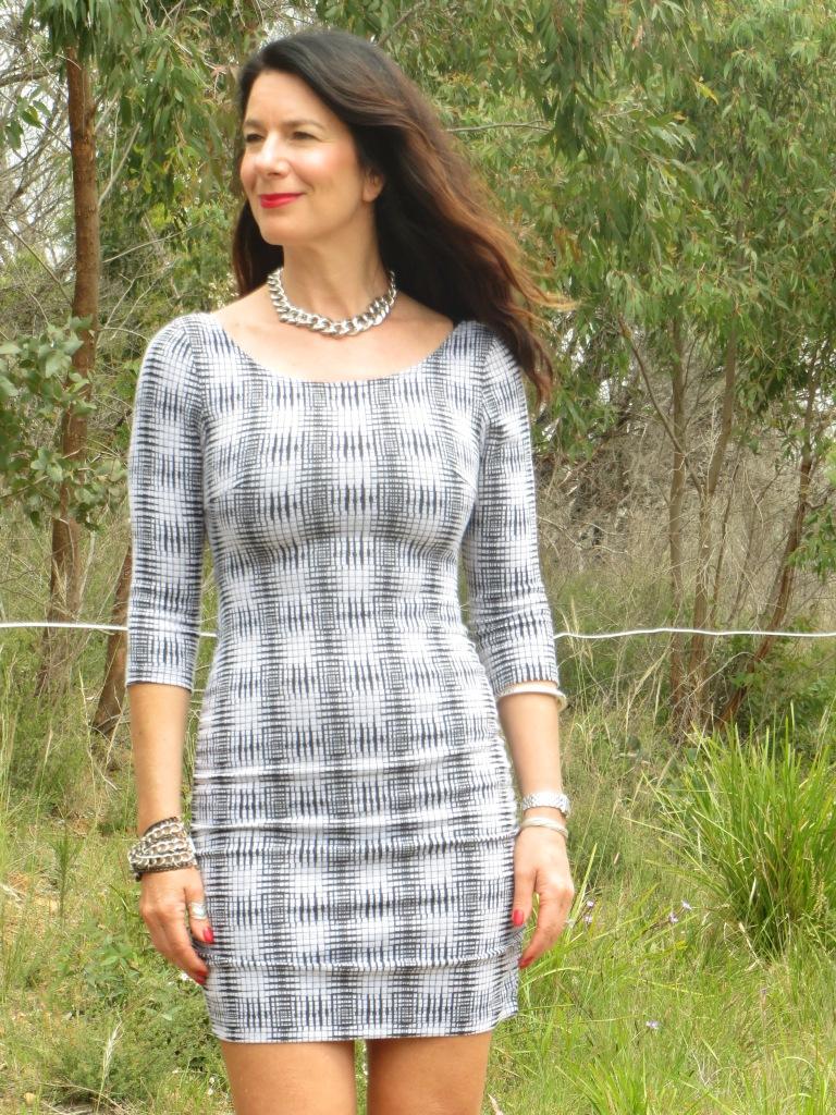 Zip backless dress 1