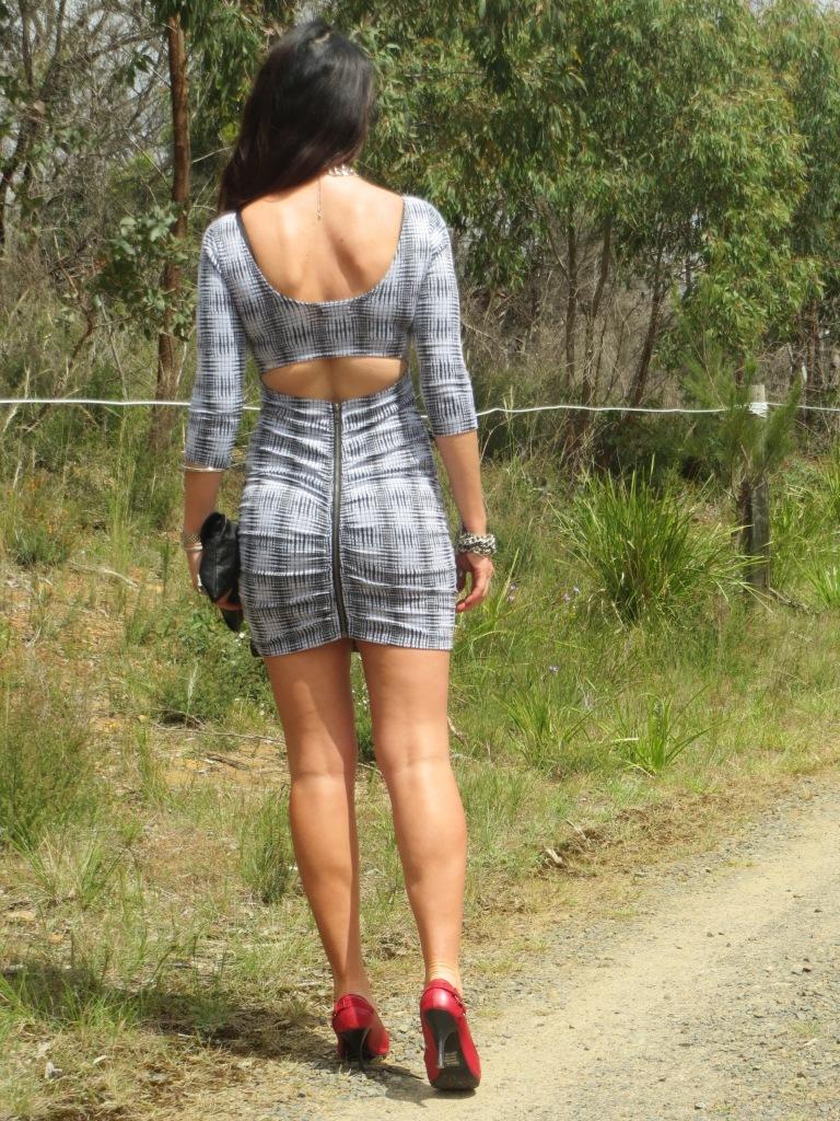 Zip backless dress 3