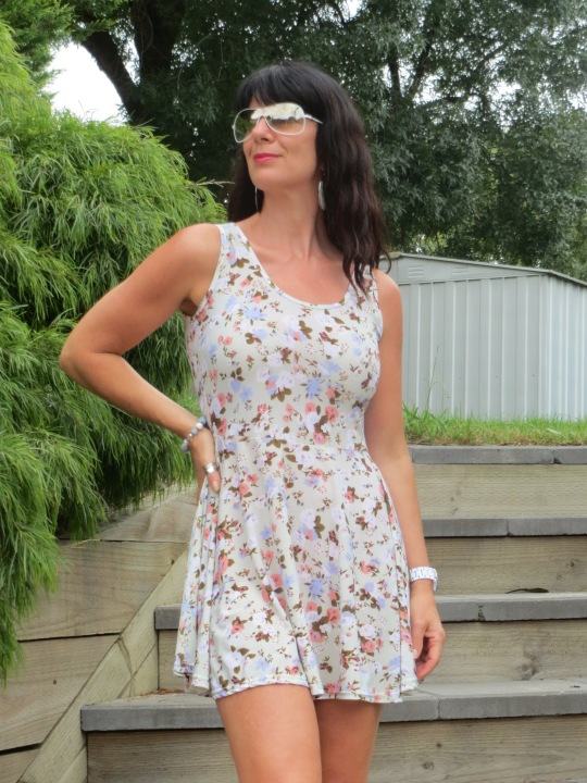Floral pale green dress 2